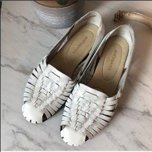 SOFTSPOTS White Leather Boho Espadrille Sandals 7